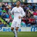 Cristiano-Ronaldo-lookson-160418G300